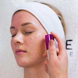 IMAGE-Skincare-ILUMA-Facial